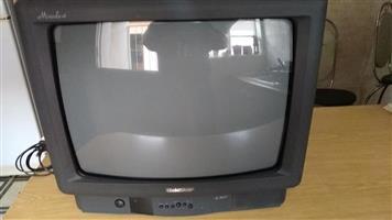 54 cm TV