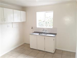 GRANNY FLAT IN BELTHRON EST CRAWFORD. IDEAL FOR COUPLE  OR SINGLE PERSON