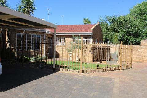 3 Bedroom Townhouse in Baillie Park to Rent