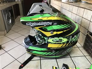 Troy lee design mx helmet