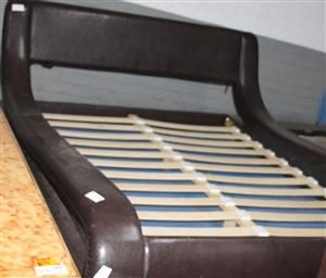 S035139A Brown sleigh bed #Rosettenvillepawnshop