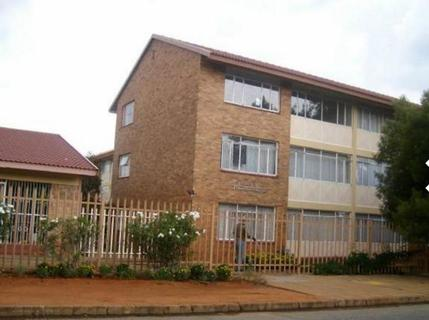 Apartment For Sale in Adamayview