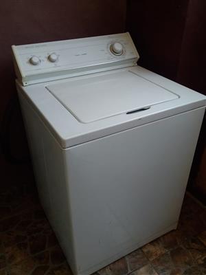 Whirlpool 13Kg Washing mashine & Defy Fridge