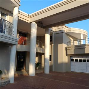 Modern house in umhlanga ridge  very modern   stunning sea views