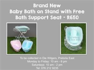 Brand New Baby Bath on Stand with Free Bath Support Seat - Green