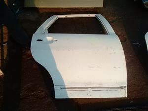 2000 vw polo right rear door shell
