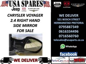 Chrysler Voyager 2.4 right hand side black door mirror for sale !!