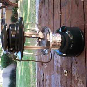 Coleman 639 Paraffin Lamp/Lantern with Replacement Generator