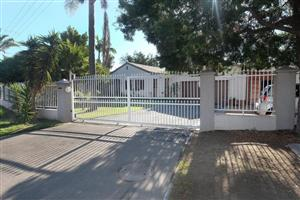 DE LA HAYE, BELLVILLE : SPACIOUS AND NEAT HOME