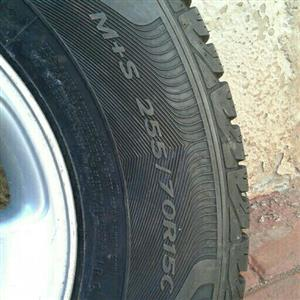 Bakkie rims with tires