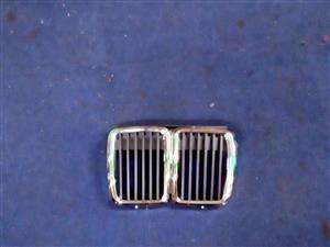BMW E30 KIDNEY GRILLS