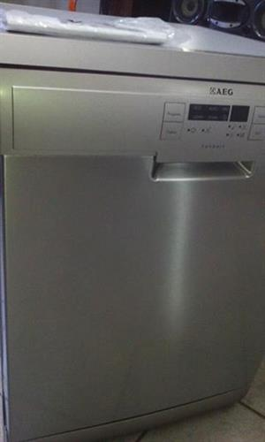 Second hand LG 26000btu non inverter.