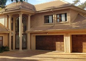 Woodhill House to Rent