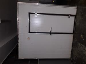 Walk in freezer room 4x2.4x2.4