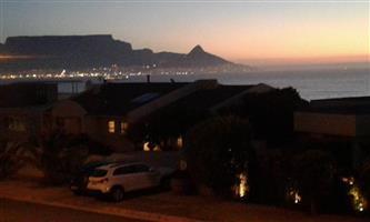 Stunning sea-views, spacious, secure. Bloubergstrand.