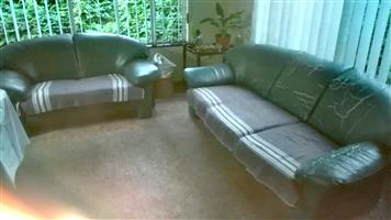 3 2 1 Leather Like Lounge Suite.