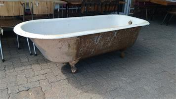 Large white bath for sale