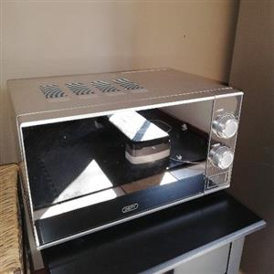 Urgent DEFY microwave for Sale ONLY R800