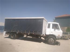 8 tonne curtain side truck for hire