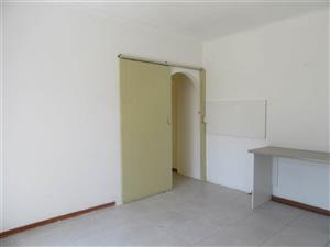 Sandringham 1bedroomed garden cottage to rent for R4100