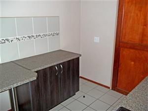 Midrand open plan bachelor flat to rent for R4000 near Gautrain