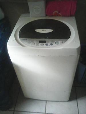 LG 8.2 Washing machine