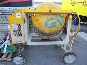 Cement mixer - ON AUCTION