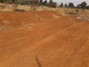 FARM IN TOWN 6.1 ha HEATHERDALE VACANT between two tar roads R3m