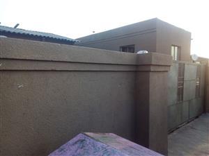 House for sale at Nhlapo Katlehong
