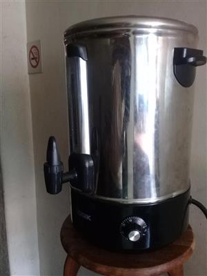 Electrical urn