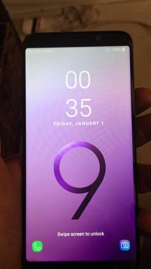 Samsung S9 plus 128 gigs clone with box no accessories asking 3500 cash or cheaper fone with cash difference collection in Kensington Jhb near Eastgate Mall