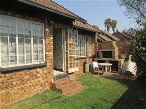 Spacious 2 Beddroom Unit in Silverton, Pretoria