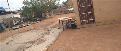 Specious yard 2 bedroom house in kanana hammanskraal