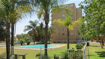 2 Bedroom Apartment To Let in Queenswood