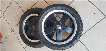Vespa GTV wheels & tyres