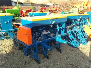 S934 Blue Hippo 5 Row Wheat Planter New Implement