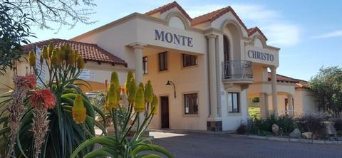 House For Sale in Monte Christo