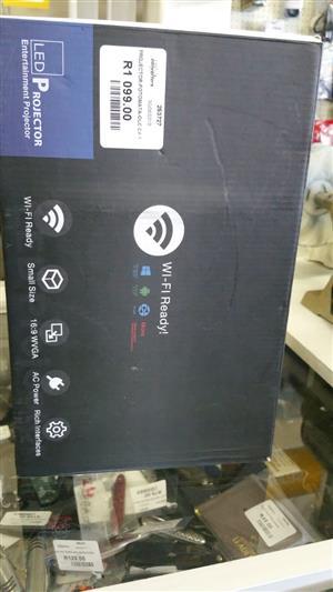UNIC LED Projector