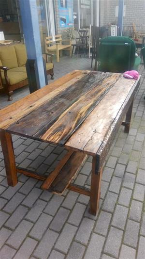 Varnished wooden pallet coffee table