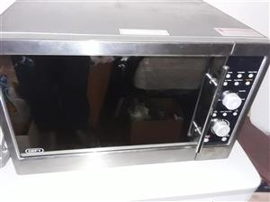 Microwave/confection oven