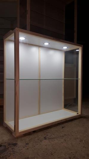 Show / Display CABINETS,  - Quality Custom made  Display Cabinets for Collectibles and Models. - Dust Proof!