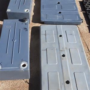 Lot water tanks and 4x4 tyre grips