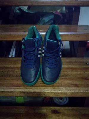 Adidas Throwers shoes size 6