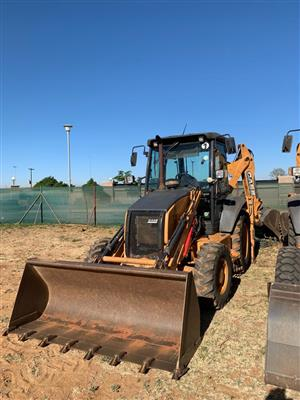 CASE 580 T TLB Backhoe