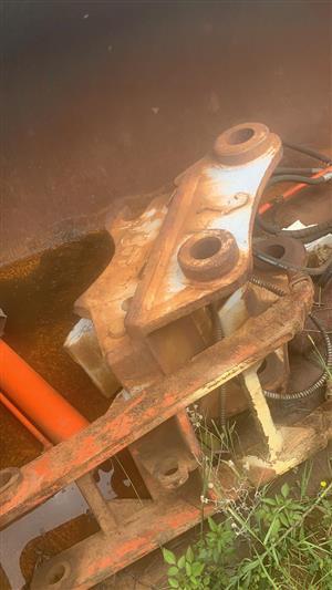 Cat 320 excavator bucket quick attachment.