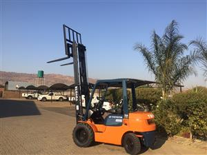 Forklift for sale 2.5 Ton 7 Series Toyota Diesel 7FD25