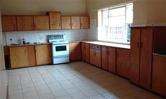 Rietfontein 3 bedroom house to rent, very central.