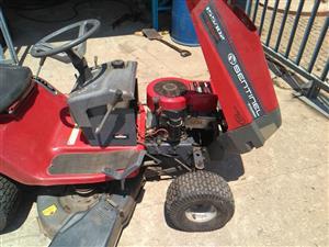 Lawnmower 15 .5hp Sentinel Selfdriven 4 wheel for sale