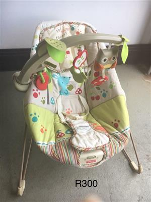 Baby sitting carrier chair