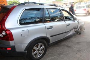 We are stripping Volvo XC90 SUV 2004